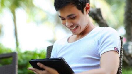 Online Gambling: The Slots & Football Phenomenon